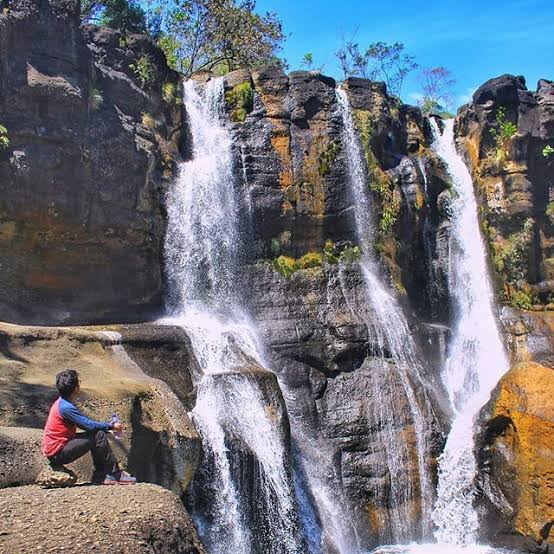 Wisata Sulawesi Tengah Air Terjun Marondo Tojo Una-una