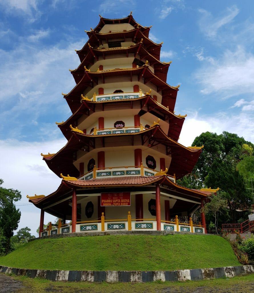Wisata Papua Barat Pagoda Sapta Ratna