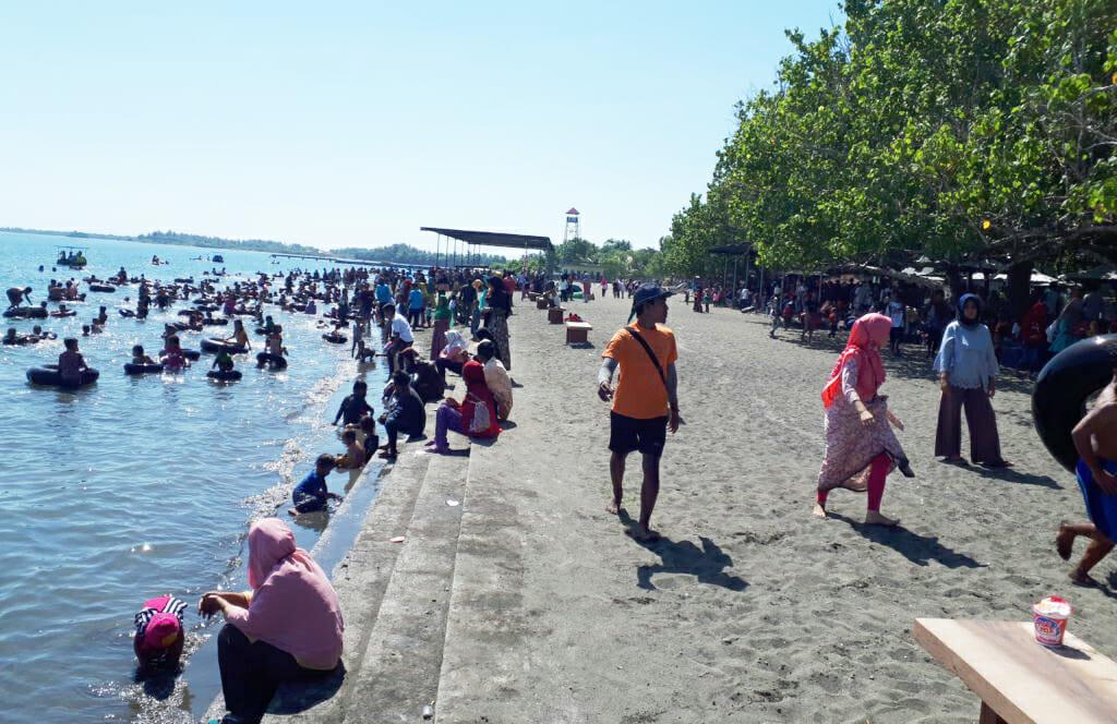 Wisata Sumbawa NTB Pantai Lapade