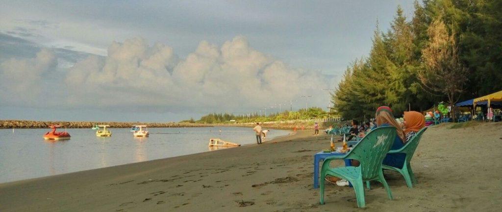 Wisata Aceh Pantai Ulee Lheue
