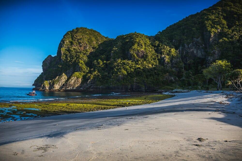 Wisata Sumbawa NTB Pantai Lawar