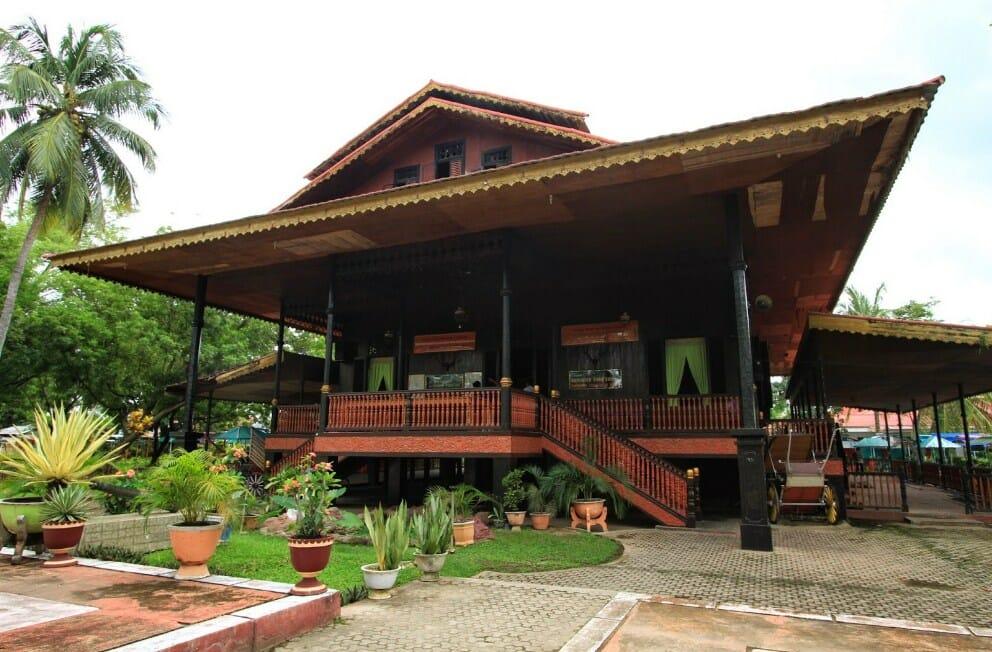 Wisata Gorontalo Rumah Adat Bantayo Poboide