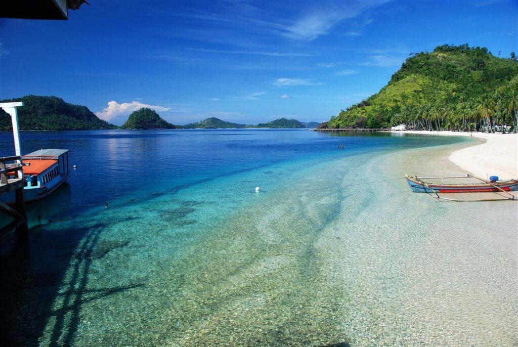 Wisata Lampung Teluk Kiluan