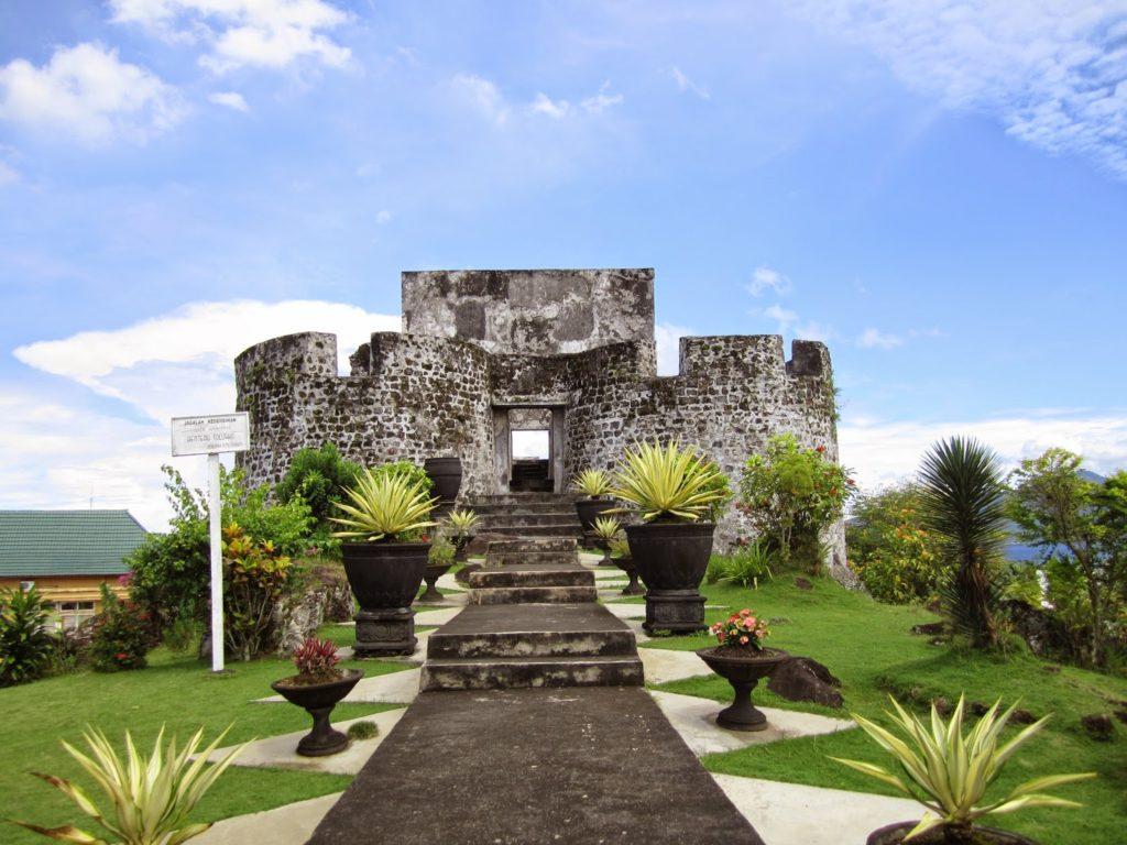 Wisata Maluku Utara Benteng Tolukko