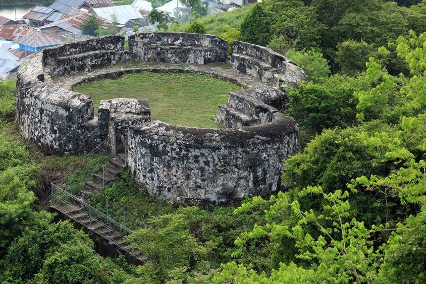 Wisata Gorontalo Otanaha Fortress