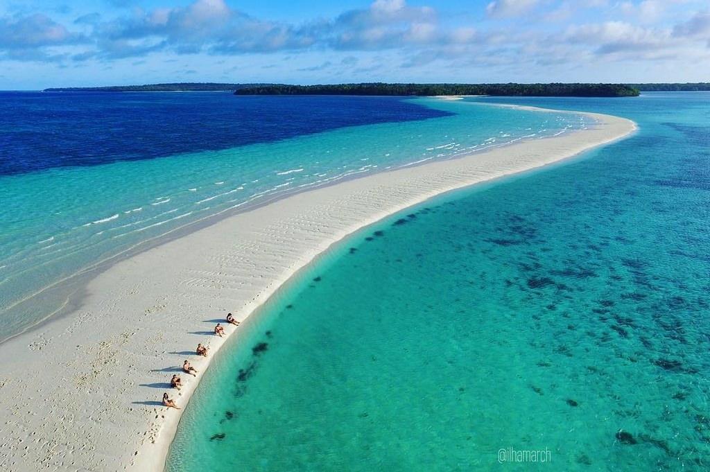 Wisata Papua Barat Pantai Pasir Putih