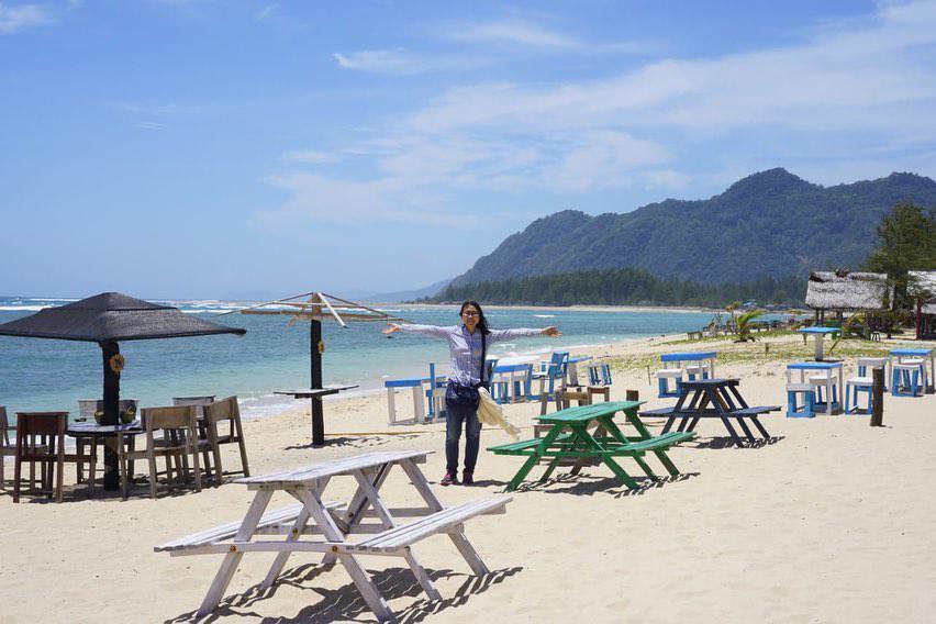 Wisata Aceh Pantai Lhoknga