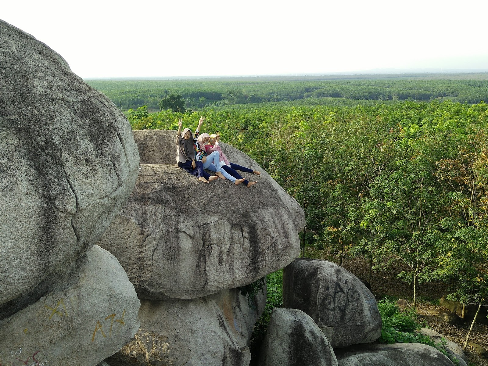 8 Taman Batu Granit Tanjung Bintang turisindo Diah Ayu NZ