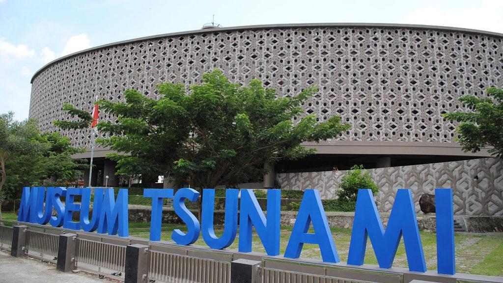 Wisata Aceh Museum Tsunami Aceh