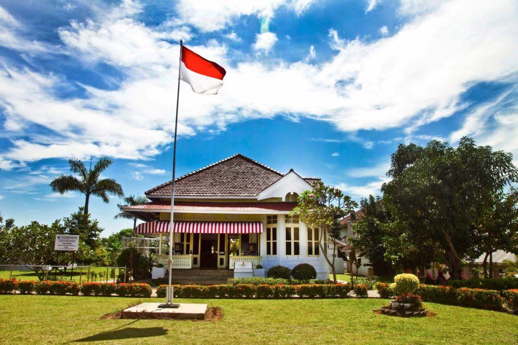 Rumah Pengasingan Bung Karno, photo by Boombastis