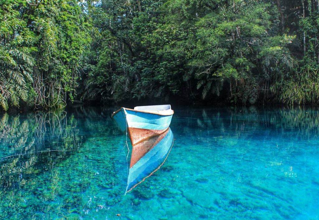 Danau Labuan Cermin, photo by KSM Tour