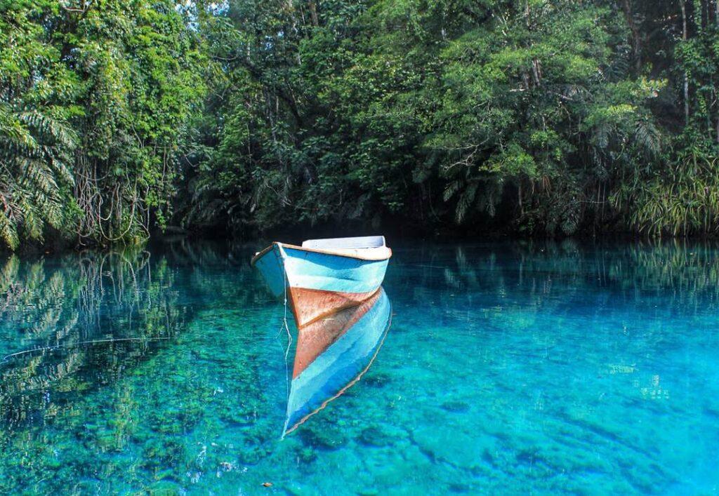 Danau Labuan Cermin, photo by KSM Tour