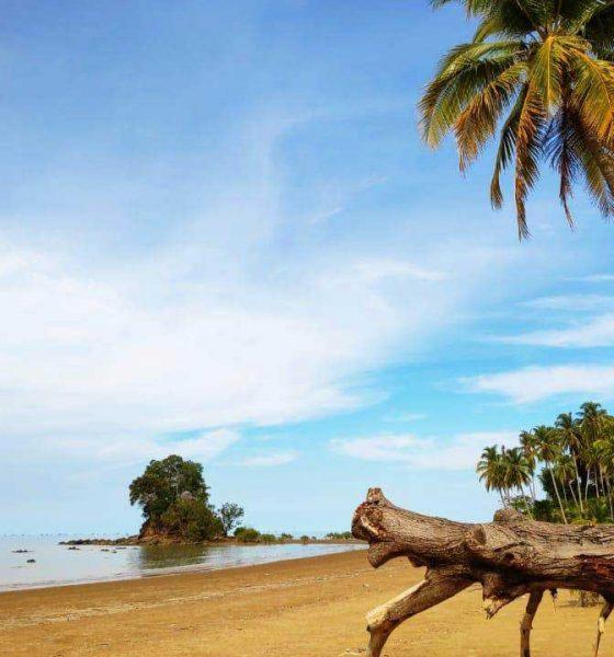 Pantai Batu Lamampu, NTT